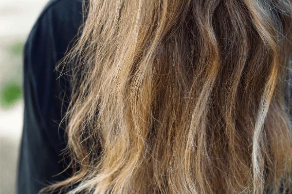 ダメージした髪のイメージ画像1